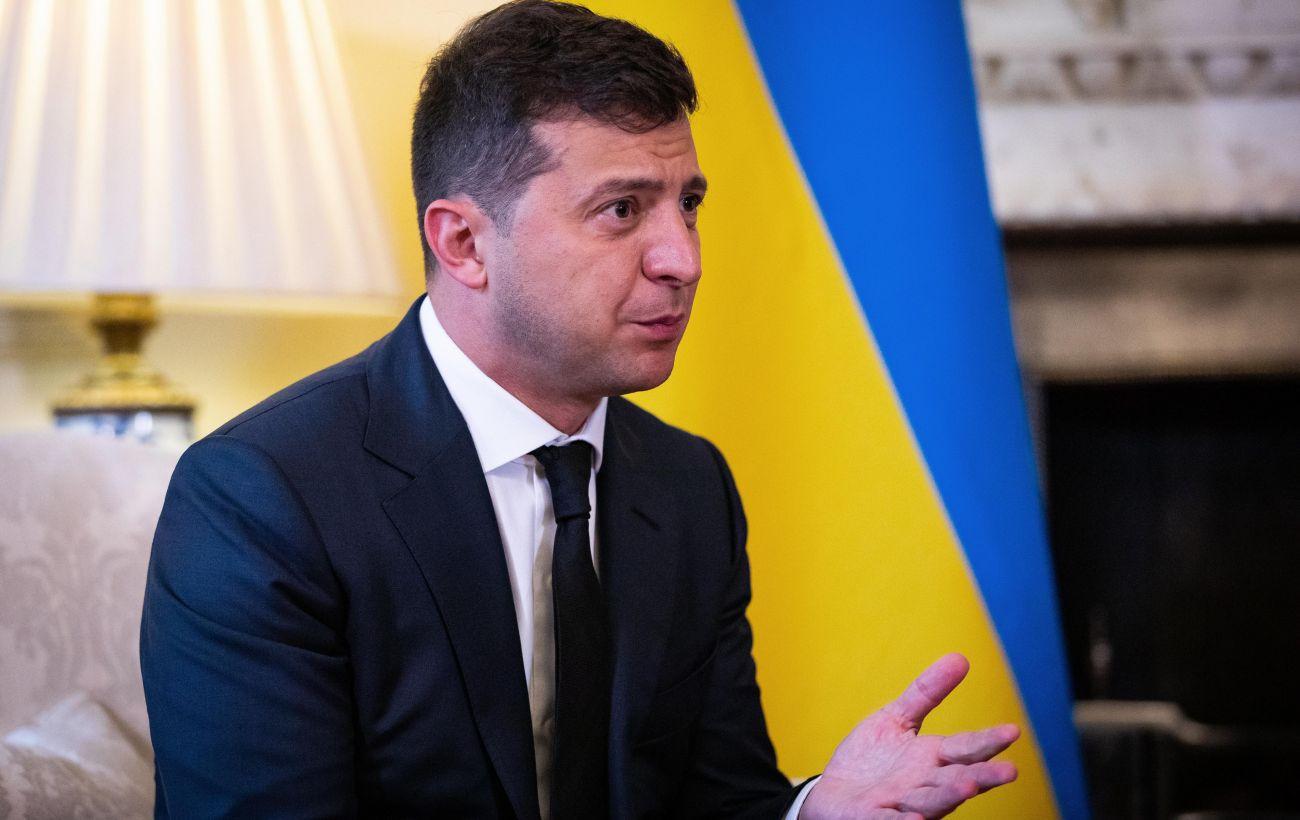 Зеленский ввел в действие санкции против почти 100 компаний