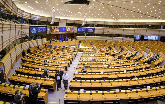 Европарламент призвал отключить Беларусь отSWIFT и запретить участвовать в Олимпиаде