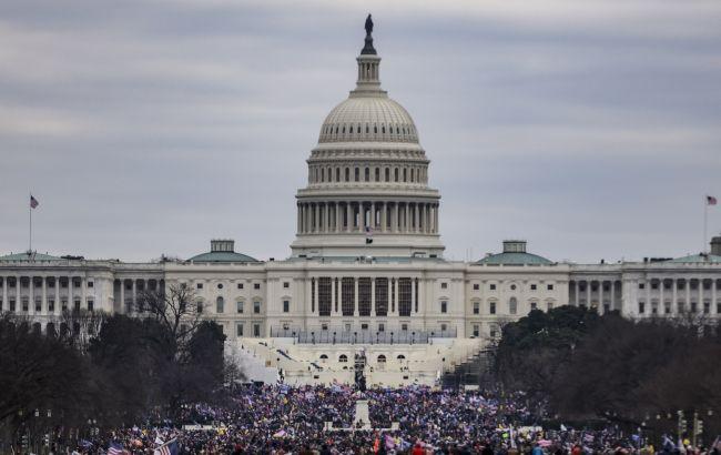 Возле Капитолия в США нашли бомбу