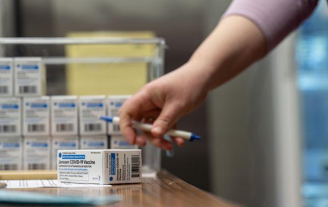 У США рекомендували призупинити вакцинацію препаратом Johnson & Johnson