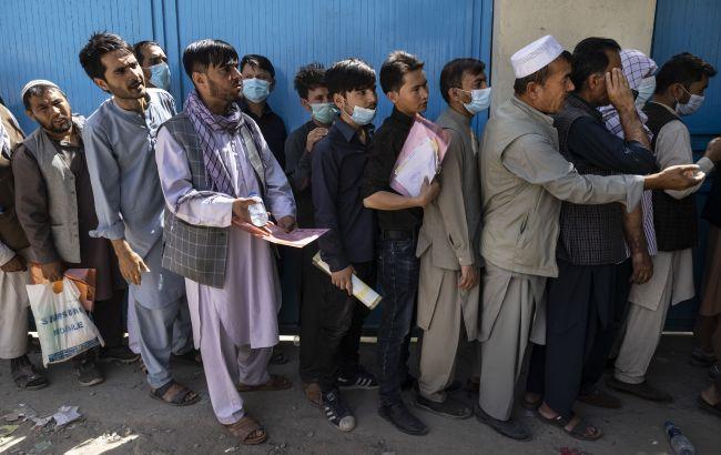 В Афганистане люди выпадают из самолета на лету, - СМИ