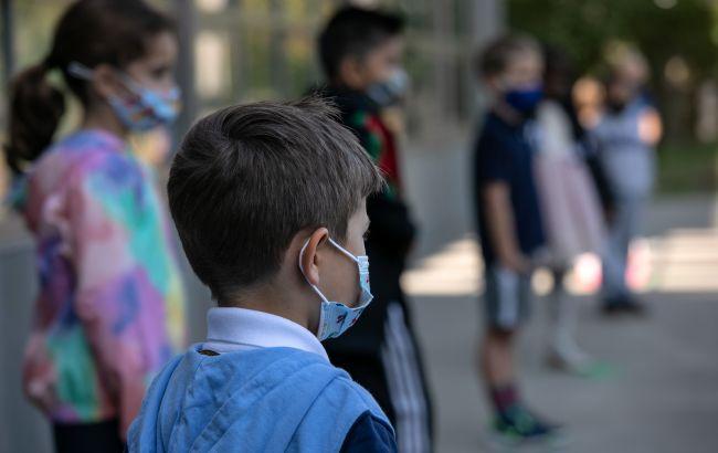 Вперше за весь час статистики: в Україні частка хворих на COVID дітей перевищила 10%