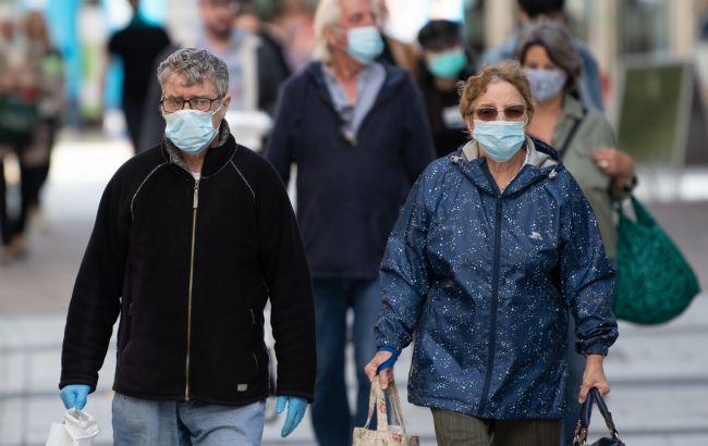 Назван период, когда COVID-больные наиболее вероятно могут заразить других