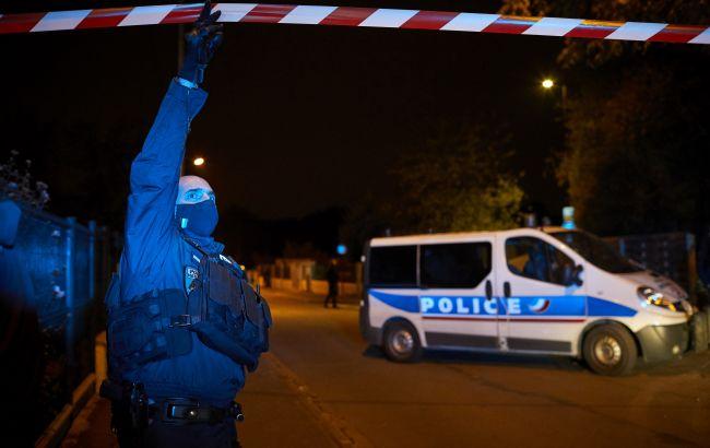 Появилось видео избиения украинского подростка в Париже:10 против 1!