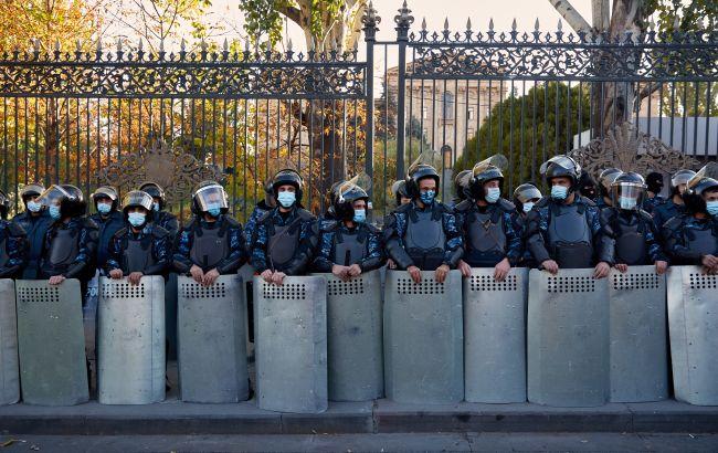 Армия Армении сделала заявление на фоне протестов против Пашиняна