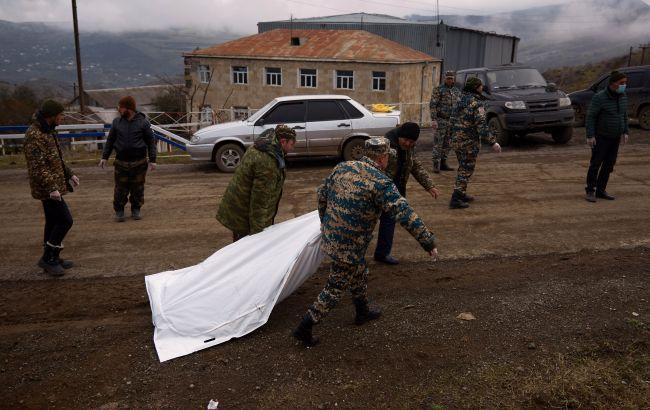 Азербайджан передал армянской стороне тела погибших в Карабахе солдат