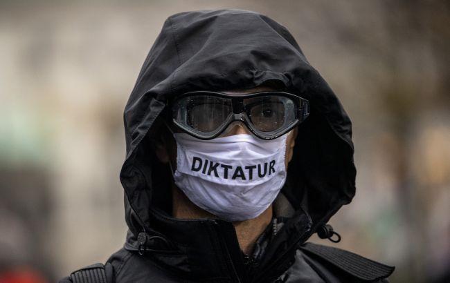 Вирус радикализма. Кто протестует против карантина в Европе
