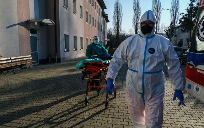 """Штам """"Дельта"""" становить 98% заражень коронавірусом у Польщі"""