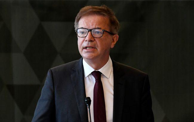 Міністр охорони здоров'я Австрії пішов у відставку: був перевантажений роботою
