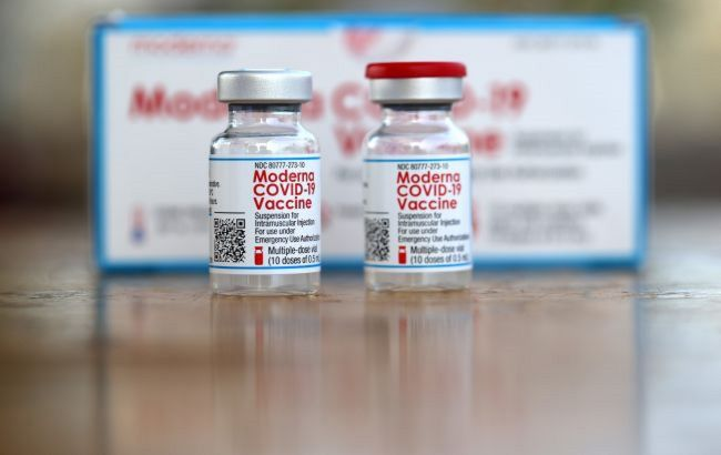 Moderna направила запрос регулятору США на применение вакцины от COVID-19 для подростков