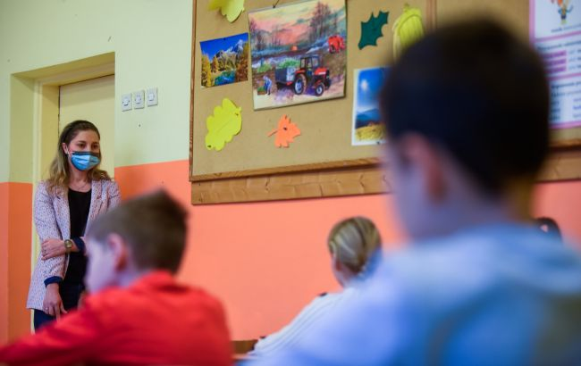 """У разі """"жовтої"""" зони в Одесіочно працюватимуть 78шкіл"""