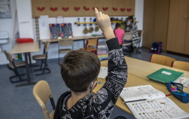 В Черновицкой области только четверть учебных заведений вакцинировали 80% персонала