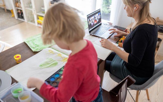 В Украине пытались украсть 300 млн гривен на закупке ноутбуков для учителей
