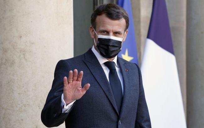 Макрон заявил о необходимости третьей дозы COVID-вакцины во Франции. Но не для всех