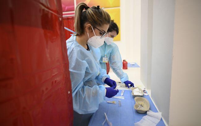 """Вакцины AstraZeneca и Pfizer высокоэффективны против """"Дельта"""" штамма, - исследование"""