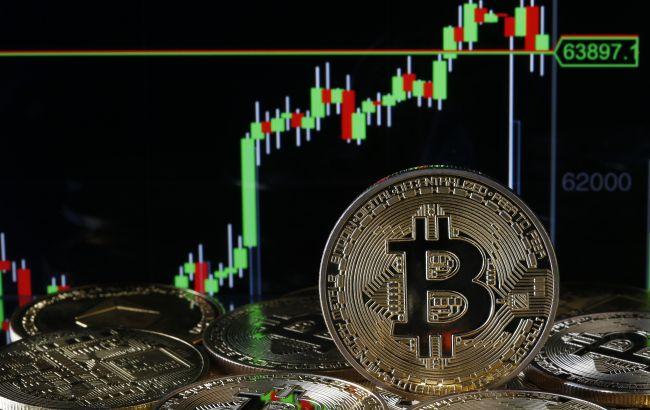 Минимум за последний месяц: биткойн обвалился ниже 30 тысяч долларов