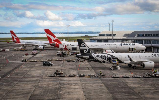 Упал спрос на полеты: крупнейшая авиакомпания Австралии массово увольняет сотрудников