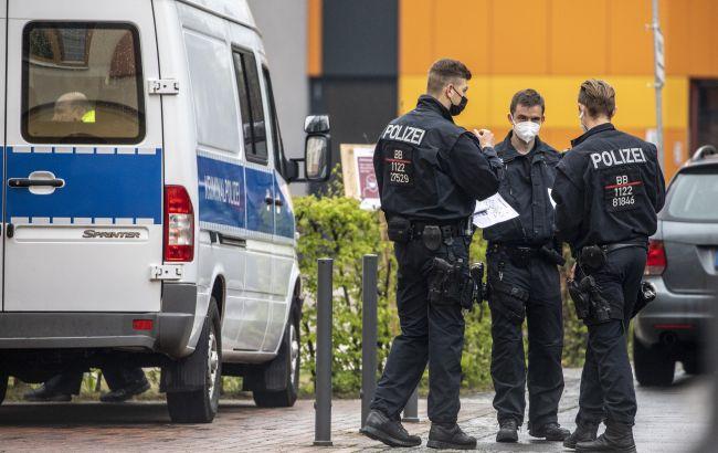 Сожгли флаги Израиля: в Германии напали на две синагоги