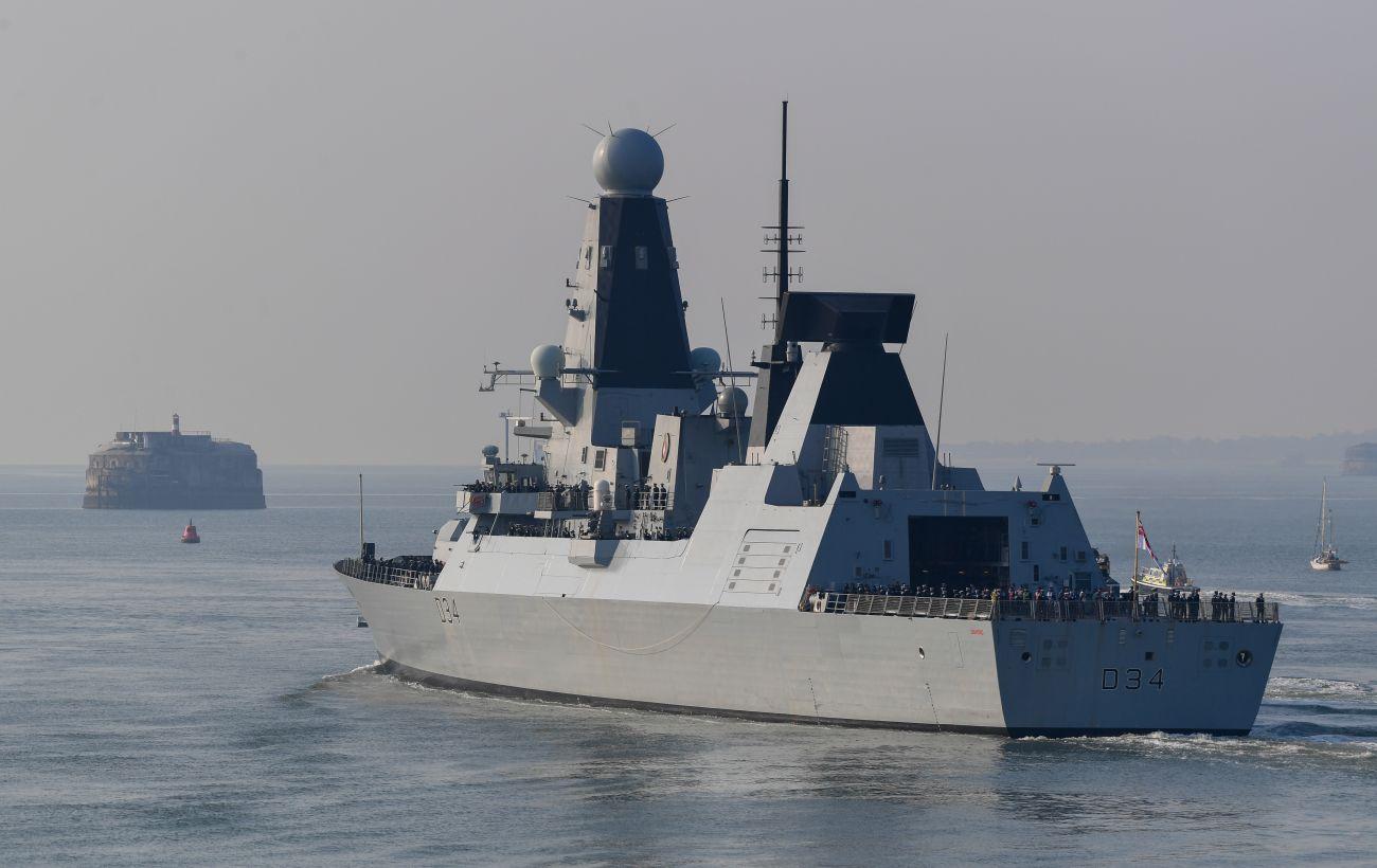 Конфликт был: корреспондент BBC рассказал о преследовании корабля Британии возле Крыма