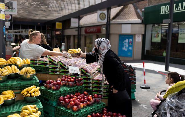 Продовольственным магазинам в Великобритании грозит закрытие из-за COVID