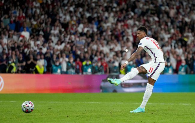 В Британии болельщиков за расизм хотят на 10 лет лишить футбольных матчей