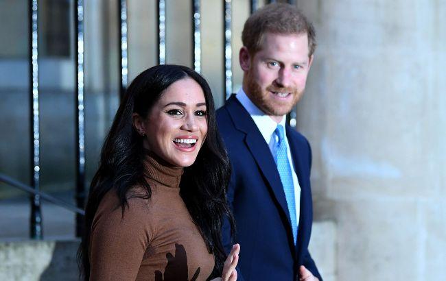 Плювок в обличчя Єлизаветі II з її лицарями: Меган Макрл і принц Гаррі обійшли королеву