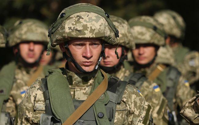 Белый дом временно заморозил военную помощь Украине на 100 млн долларов, - Politico