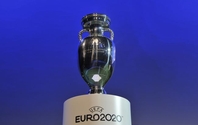 """Італія - Англія: в Лондоні перед фіналом Євро 2020 на стадіоні сталася тиснява і бійка з """"копами"""""""