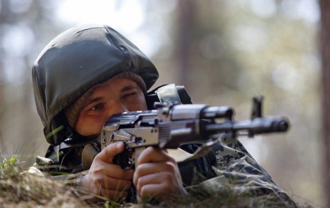В результате обстрела украинских позиций на Донбассе один военный получил ранение