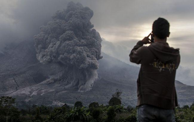 На іспанському острові сталося виверження вулкана: людей евакуюють