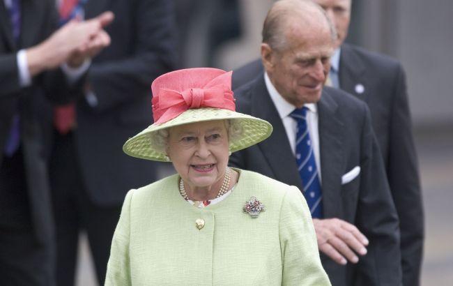 Стало известно, отречется ли Елизавета II от престола после смерти мужа