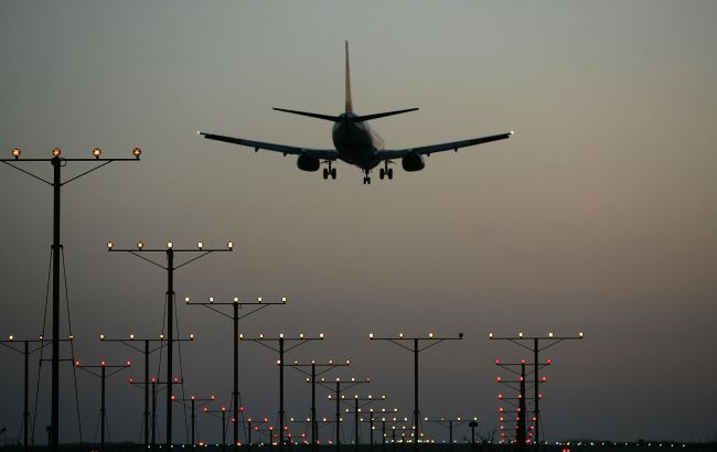 Україна закриває небо для білоруських літаків з 29 травня