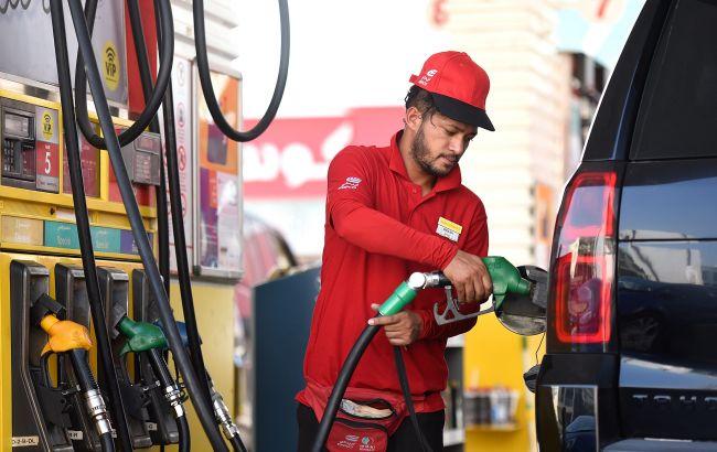 Цены на бензин и ДТ резко пошли вверх из-за новой максимальной цены
