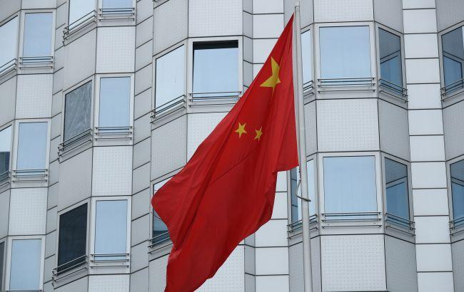 Китай призвал G7 не вмешиваться во внутренние дела страны