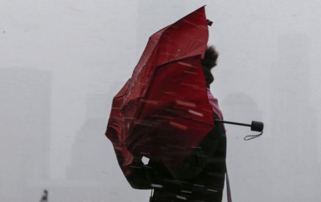 Штормовий вітер та різкий холод зі зливами: скільки днів триматиметься негода