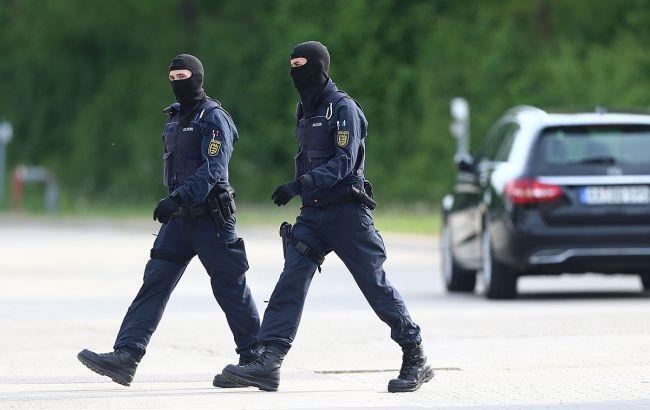 В Германии суд выдал ордер на арест напавшего на пассажиров автобуса