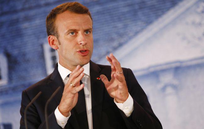 Макрон виключив розгін протестів в Парижі за допомогою армії