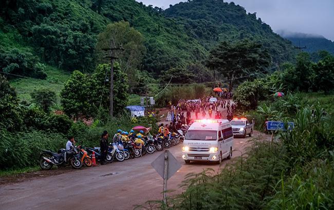 У Таїланді відновили операцію з порятунку дітей з печери