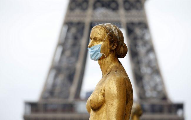 Украинцев, вакцинированных от COVID-19, будут впускать во Францию без тестов