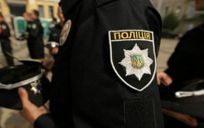 Фото: Поліція зробила попереджувальний постріл (hromadske.od.ua)