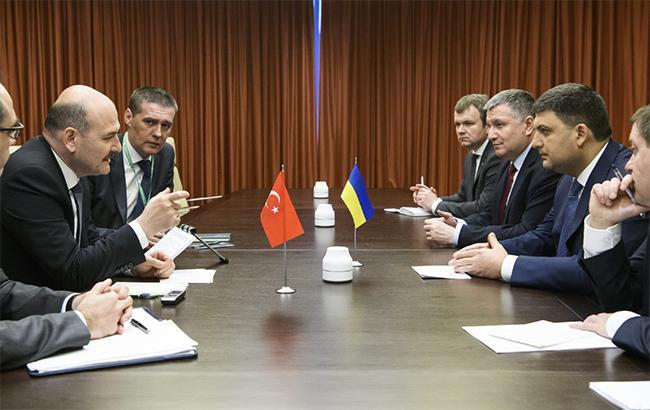 Фото: встреча Владимира Гройсмана с Сулейманом Сойлу (kmu.gov.ua)