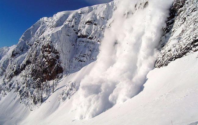 Фото: схождение лавины