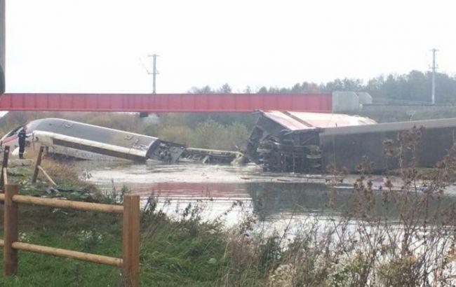На сході Франції швидкісний потяг зійшов з рейок, є жертви