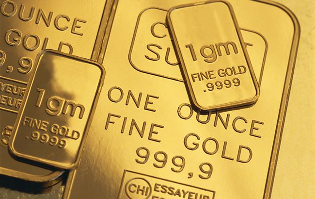 НБУ понизил курс золота до 348,27 тыс. гривен за 10 унций