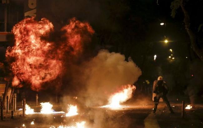 Фото: протести в Афінах (Reuters)