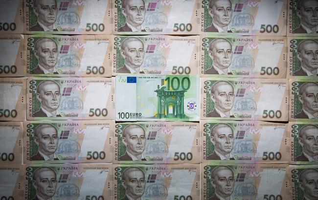 Курс гривні до євро впав до30,43 грн/€