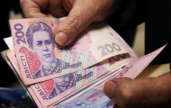 На увеличение социальных стандартов Кабмин заложил дополнительные 9,9 млрд грн
