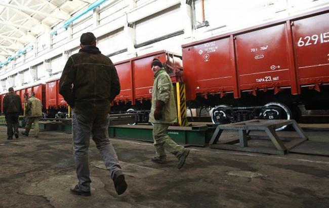 Фото: грузовые перевозки немного увеличились (УНИАН)