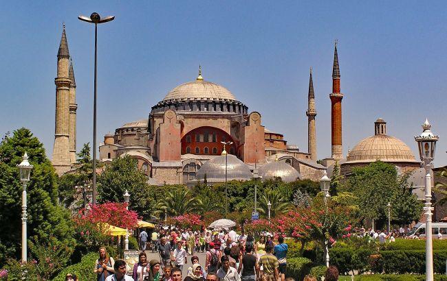 Могут не пустить в страну: в Турции объявили о нововведении для туристов