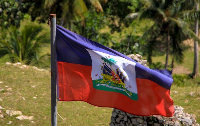 Автобус въехал втолпу наГаити, необошлось без жертв